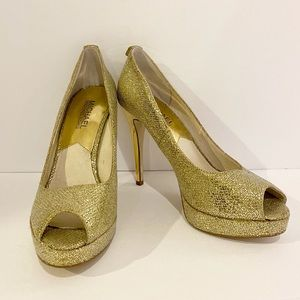 ❤️ Michael Kors 'York' Gold Glitter Peep-Toe Pumps